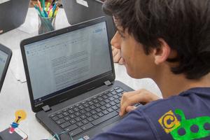 A tecnologia ajuda a estimular a leitura e a desenvolver o pensamento crítico