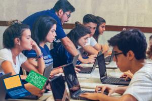 Como a tecnologia pode ajudar os professores em sala de aula